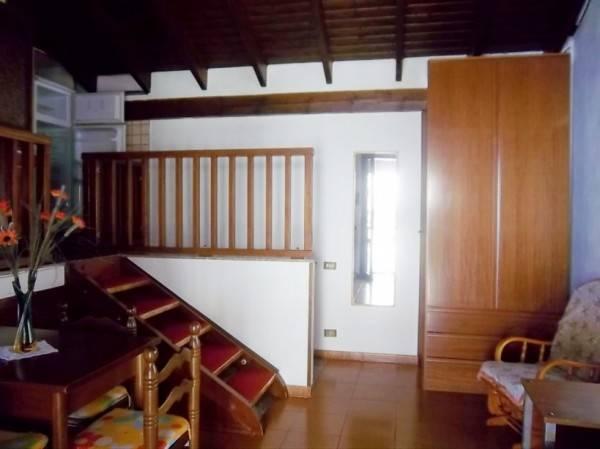 Appartamento in buone condizioni arredato in affitto Rif. 8802730