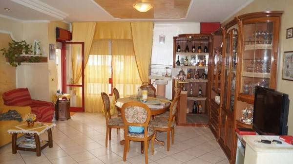 Appartamento in buone condizioni in vendita Rif. 4244092