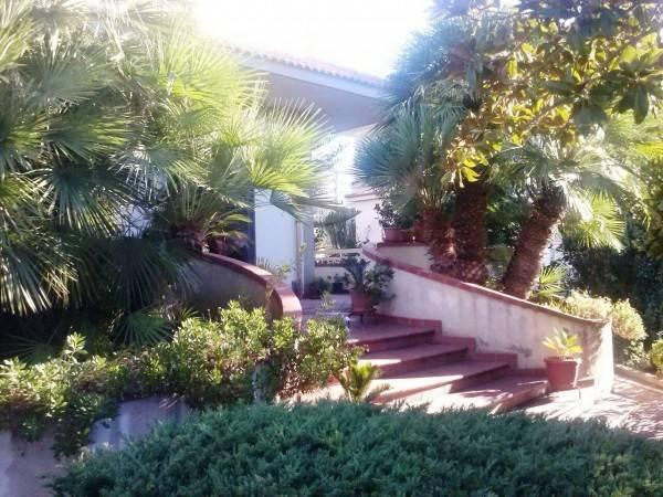 Villa in buone condizioni in vendita Rif. 4390115