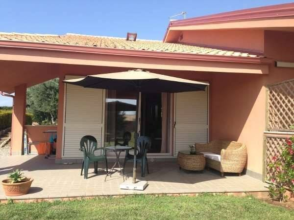 Villa in buone condizioni arredato in vendita Rif. 4390121