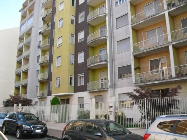 Appartamento in vendita a Vercelli, 3 locali, prezzo € 45.000 | CambioCasa.it
