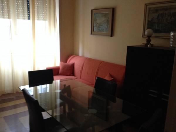 Appartamento in buone condizioni arredato in affitto Rif. 4401203