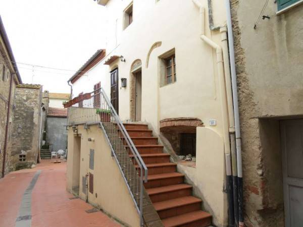 Appartamento in ottime condizioni parzialmente arredato in vendita Rif. 4563181