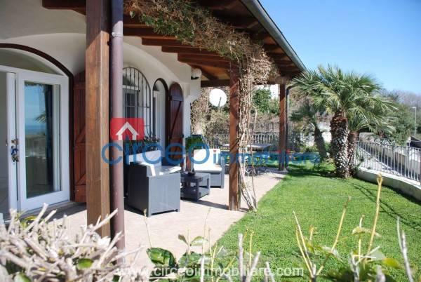 Appartamento in ottime condizioni arredato in affitto Rif. 4519147