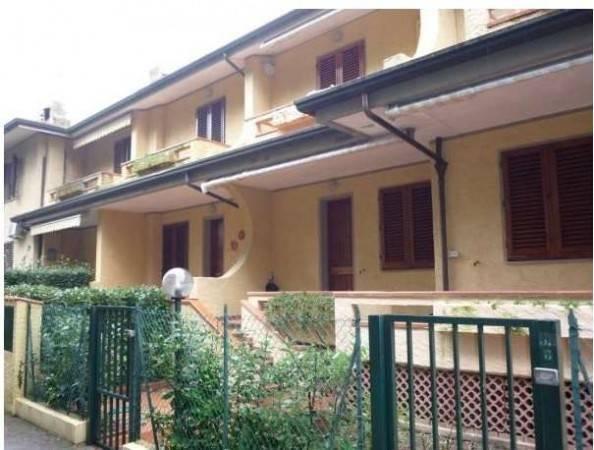 Villa a Schiera in vendita a Montignoso, 4 locali, Trattative riservate | PortaleAgenzieImmobiliari.it