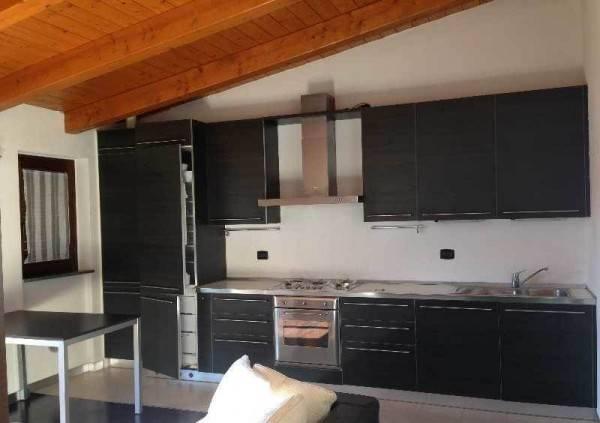 Appartamento in ottime condizioni arredato in vendita Rif. 8201675
