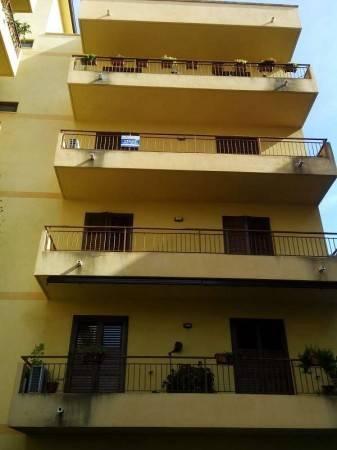 Appartamento in buone condizioni parzialmente arredato in vendita Rif. 4994732