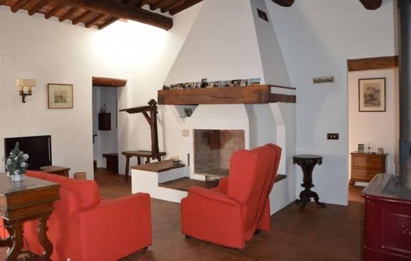 Appartamento in Affitto a Calcinaia Periferia: 5 locali, 190 mq