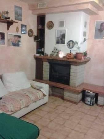 Appartamento in buone condizioni in vendita Rif. 4237318