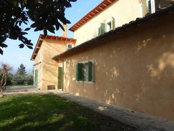 Villa in Vendita a Lucca Periferia Sud: 5 locali, 220 mq