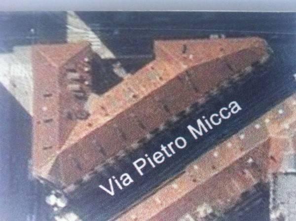 Immagine immobiliare VIA PIETRO MICCA - PRESSI PIAZZA CASTELLO In elegante e signorile stabile di fine '800 con portineria, proponiamo appartamento mansardato realizzato nel 2*** così composto: ingresso su soggiorno, cucina, camera bagno e balconcini, , aria...