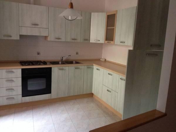 Appartamento in ottime condizioni arredato in affitto Rif. 4401216