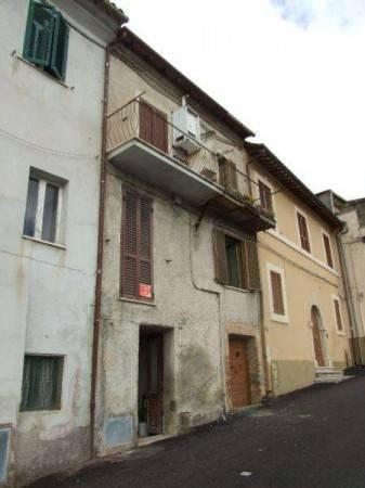 Poggio San Lorenzo (RI) Appartamento da ristrutturare