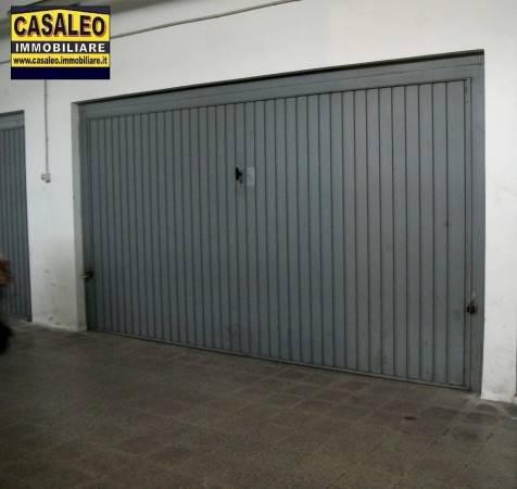 Box e posti auto in ottime condizioni parzialmente arredato in vendita Rif. 7322466
