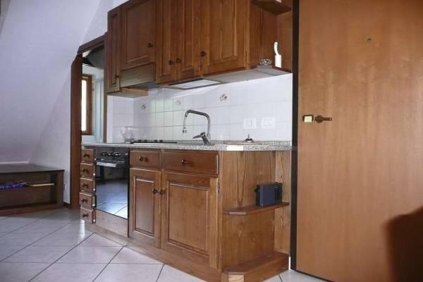 Appartamento in ottime condizioni arredato in vendita Rif. 7409456