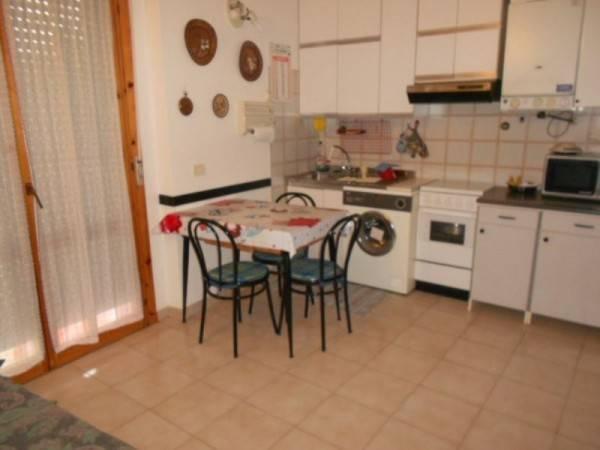 Appartamento in buone condizioni arredato in vendita Rif. 9151308