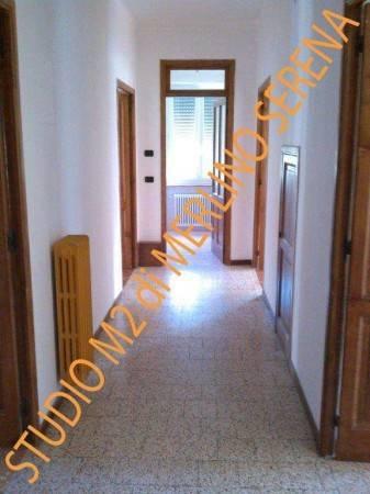 Garessio, Via Valcasotto, appartamento al primo piano in palazzina non condominiale. L'alloggio è c