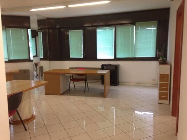 Ufficio bilocale in affitto a Carpi (MO)