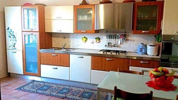 Appartamento in buone condizioni parzialmente arredato in vendita Rif. 6857778