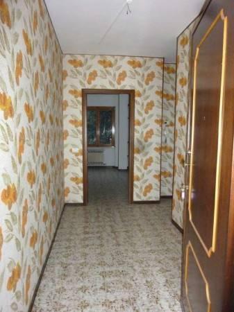 Appartamento in vendita a Pont-Saint-Martin, 3 locali, prezzo € 115.000 | CambioCasa.it
