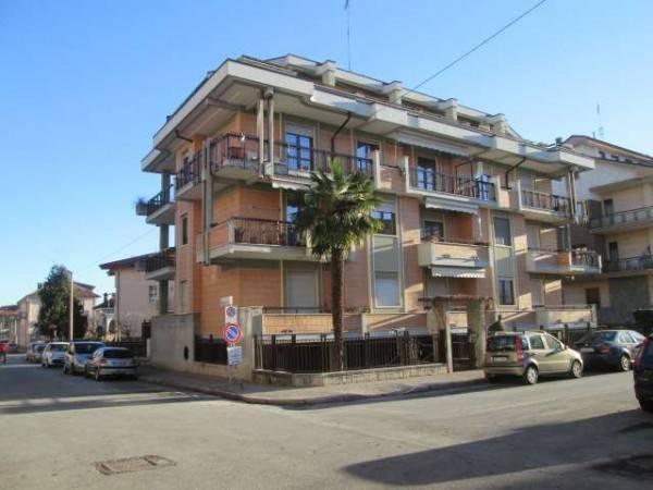 Foto 1 di Quadrilocale via Nino Berrini, Cuneo