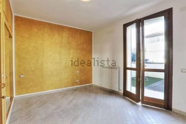 Appartamento parzialmente arredato in vendita Rif. 7336992