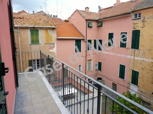 Appartamento in ottime condizioni in vendita Rif. 8681165
