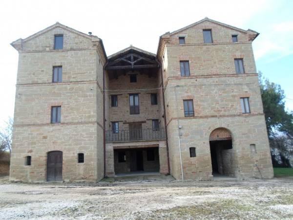 Rustico / Casale in ottime condizioni in vendita Rif. 4228054