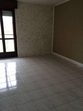 Appartamento in buone condizioni in affitto Rif. 4986407