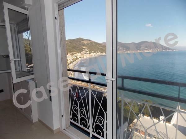 Appartamento in ottime condizioni in vendita Rif. 8681166
