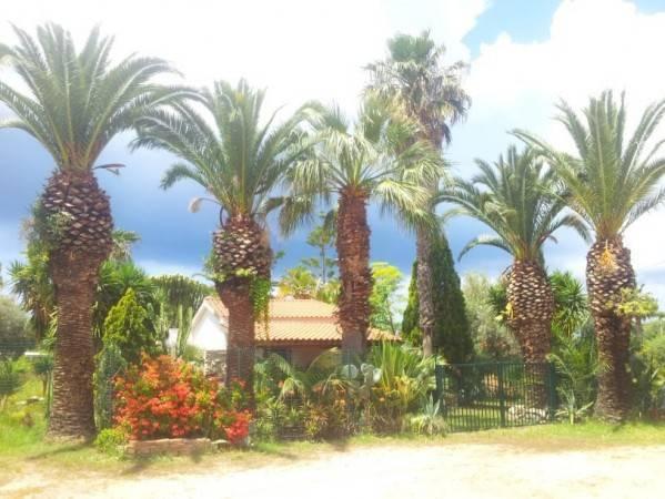 Villa in buone condizioni in vendita Rif. 4390110