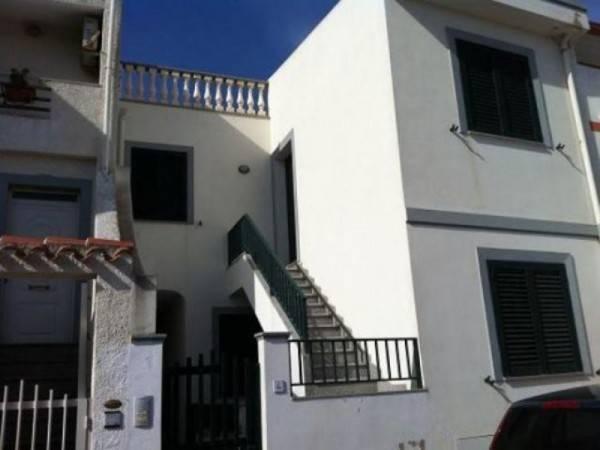 Appartamento in ottime condizioni arredato in vendita Rif. 4900933
