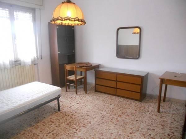 Stanza / posto letto in affitto Rif. 7001093