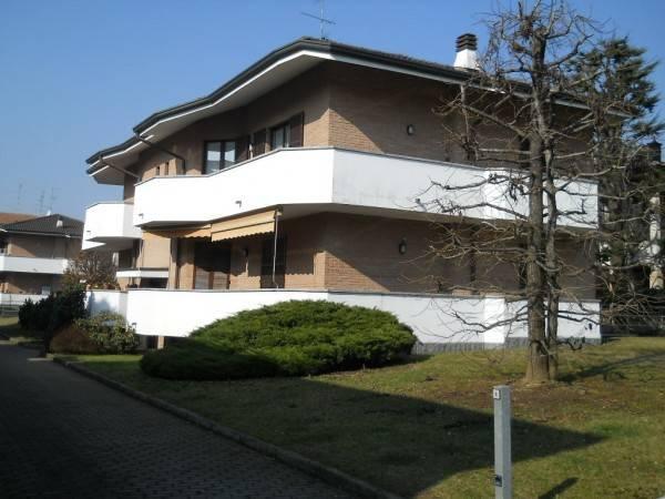 Appartamento in affitto a Rovello Porro, 4 locali, prezzo € 770   CambioCasa.it