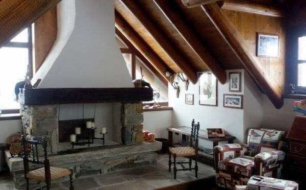 Casa Indipendente in ottime condizioni parzialmente arredato in vendita Rif. 4207030
