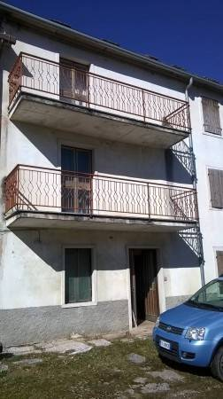 Rustico / Casale in vendita a Sant'Anna d'Alfaedo, 6 locali, prezzo € 42.000 | CambioCasa.it