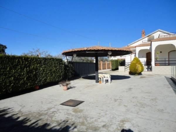 Villa in buone condizioni in vendita Rif. 4820411
