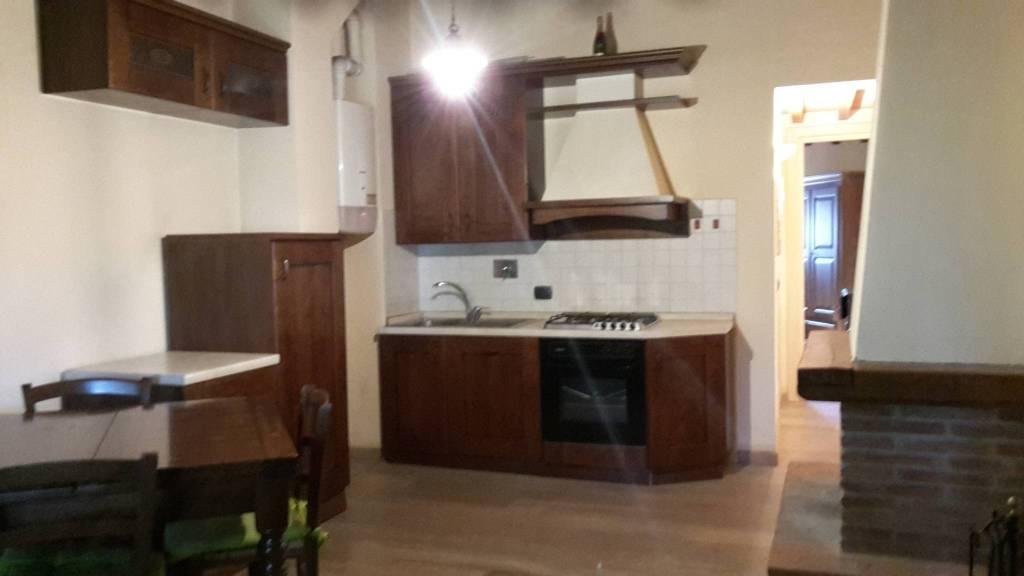 Appartamento in ottime condizioni arredato in vendita Rif. 8112134