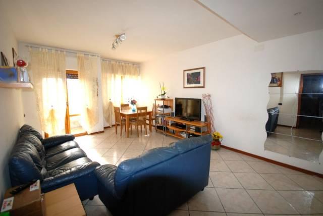 Appartamento in buone condizioni in vendita Rif. 4227815