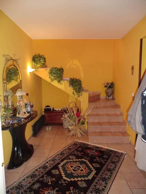 Villa in vendita a Vercelli, 5 locali, prezzo € 135.000   PortaleAgenzieImmobiliari.it