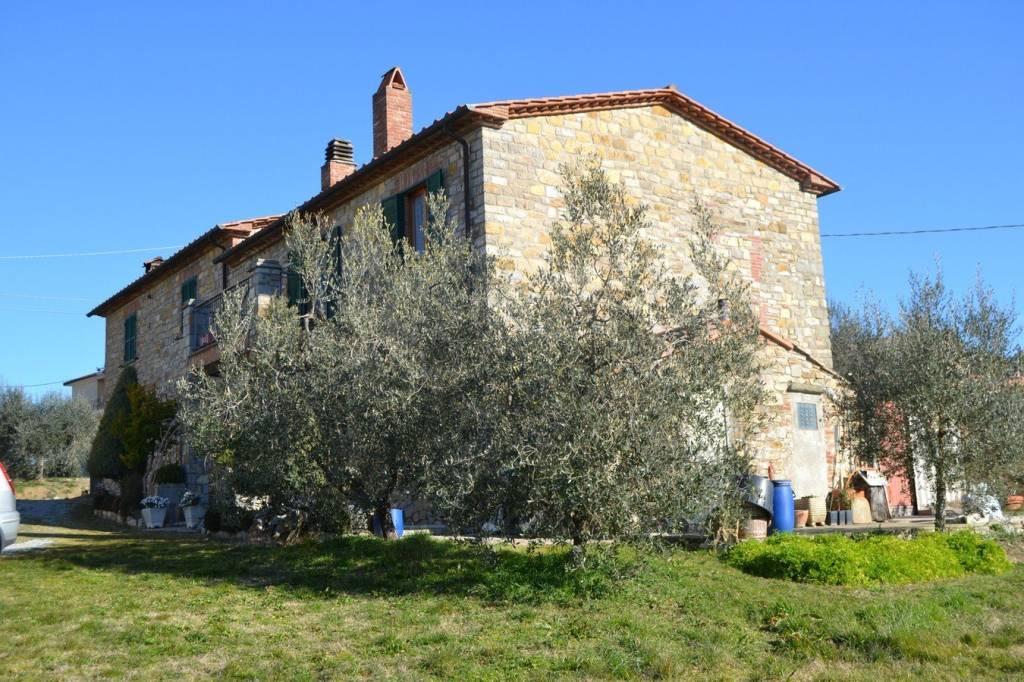 Rustico / Casale in vendita a Montegabbione, 6 locali, prezzo € 248.000 | CambioCasa.it