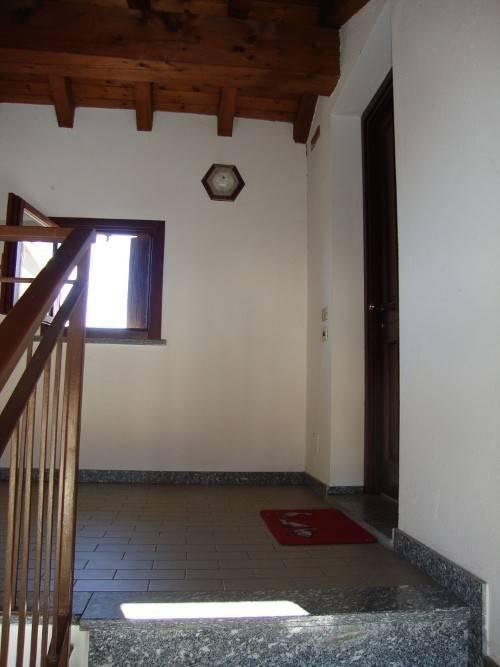 Appartamento in buone condizioni arredato in affitto Rif. 7558898