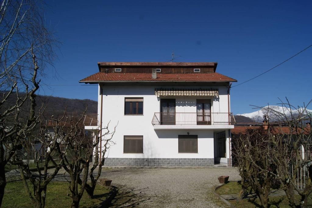 Foto 1 di Casa indipendente via Ivrea, Loranzè