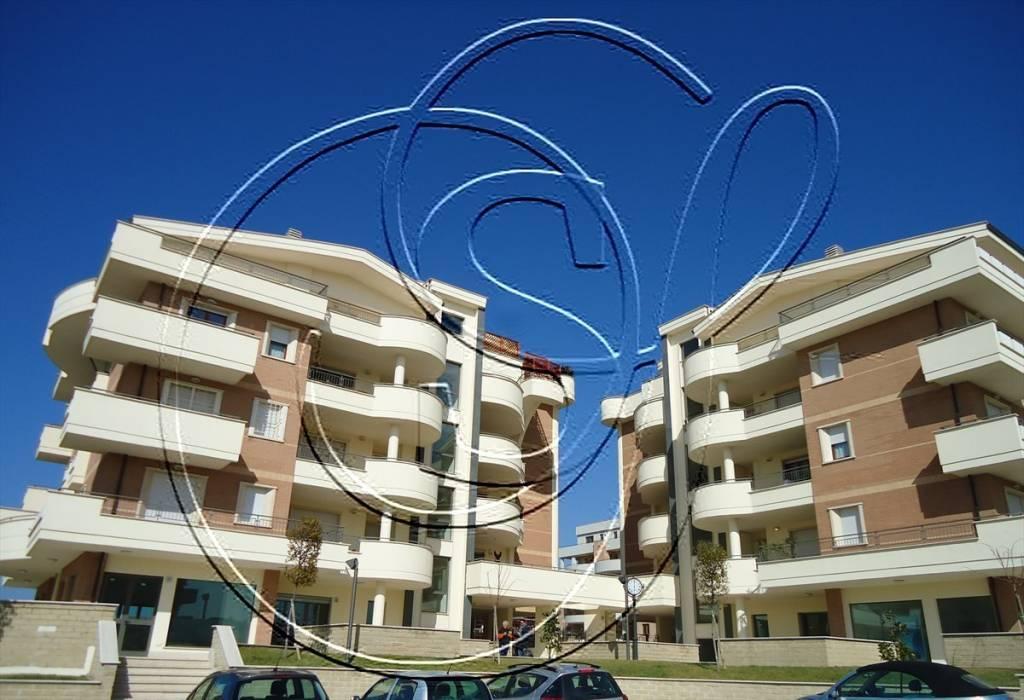 Attico / Mansarda in vendita a Roma, 4 locali, zona Zona: 38 . Acilia, Vitinia, Infernetto, Axa, Casal Palocco, Madonnetta, prezzo € 750.000 | CambioCasa.it