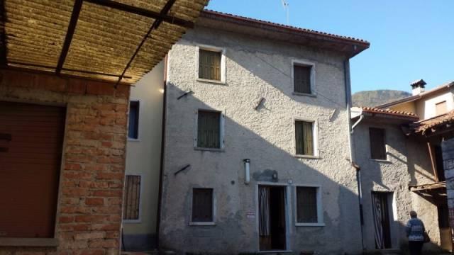 Soluzione Indipendente in vendita a Alano di Piave, 6 locali, prezzo € 34.000 | CambioCasa.it
