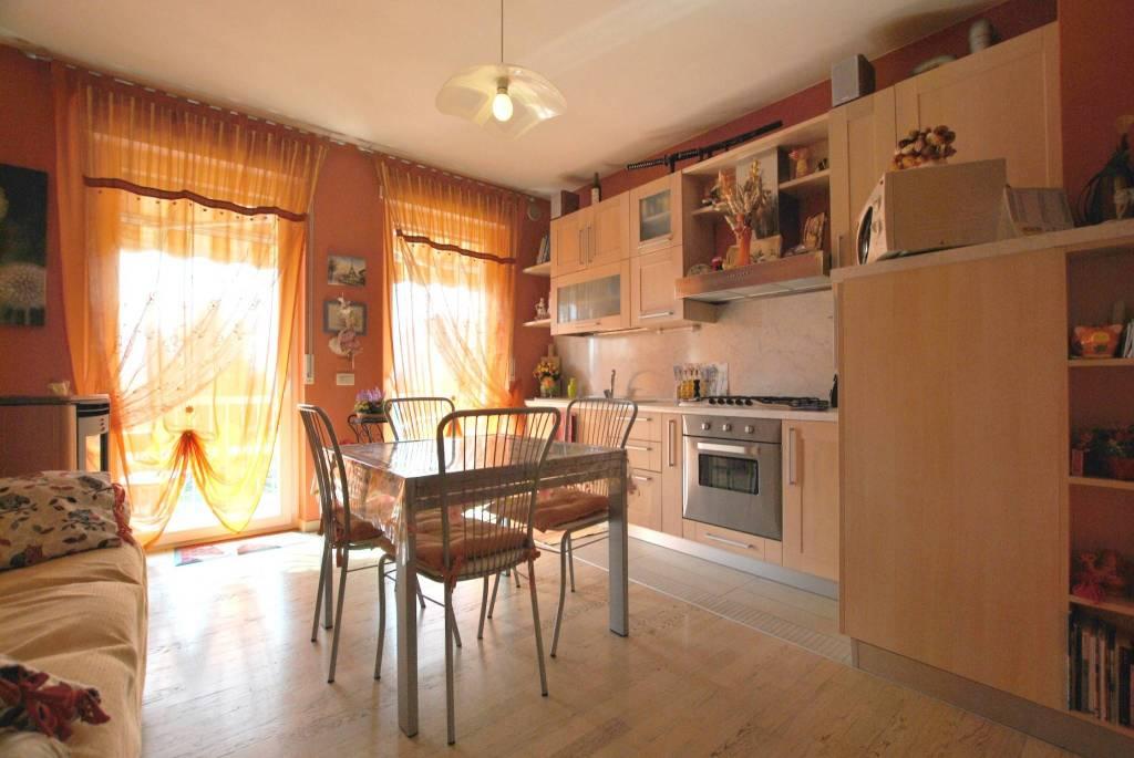 Appartamento in ottime condizioni arredato in vendita Rif. 8479506