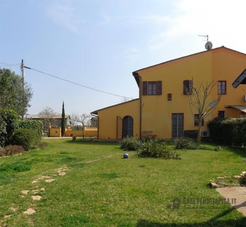Rustico / Casale in vendita a Cascina, 4 locali, prezzo € 315.000 | CambioCasa.it