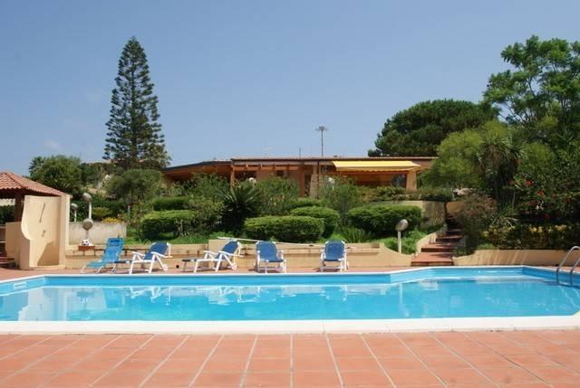 Villa in ottime condizioni arredato in vendita Rif. 4233546