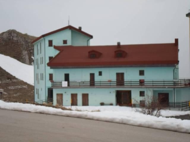 Appartamento in buone condizioni parzialmente arredato in vendita Rif. 4228060