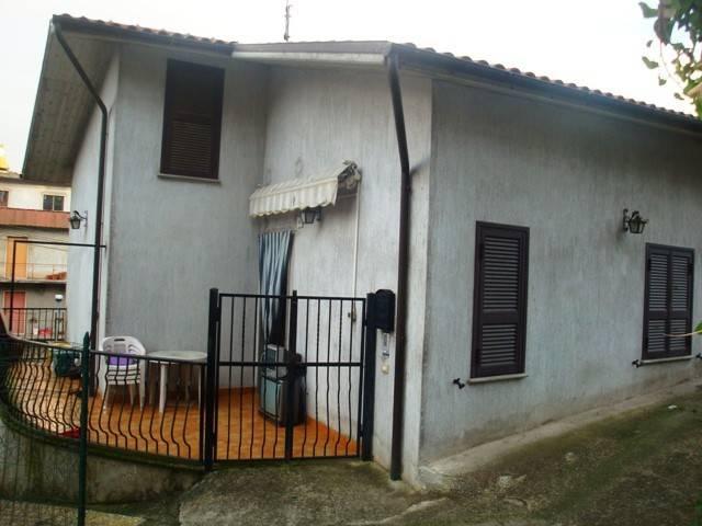 Soluzione Indipendente in vendita a Carbognano, 3 locali, prezzo € 119.000   CambioCasa.it